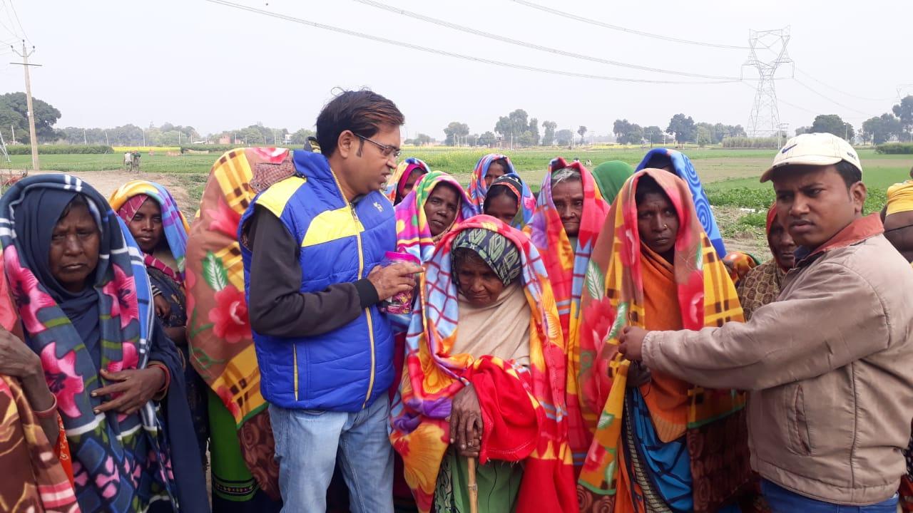 Photo of जरूरतमंद लोगों को बांटे गए कंबल