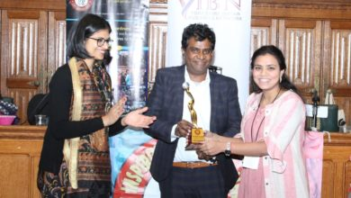 Photo of लखनऊ की बेटी मोनिका को ब्रिटिश संसद में सम्मानित किया गया