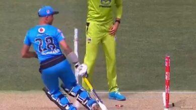 Photo of क्रिकेट इतिहास में पहली बार : एक ही गेंद पर दो बार रन आउट हुआ बल्लेबाज
